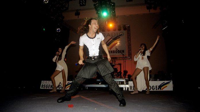 Die Anfänge: 1992 startete DJ Bobo mit «Somebody Dance With Me» seine Karriere.