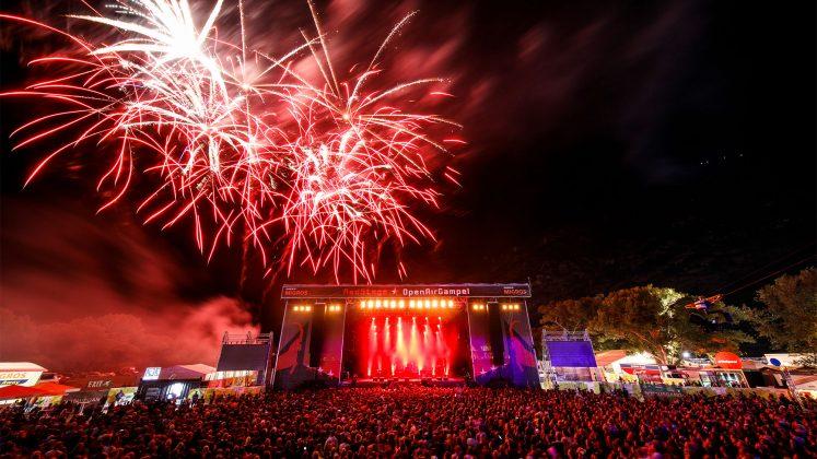 Festival mit Feuerwerk