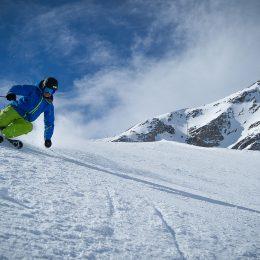 Skifahren auf Gletscher-und Gleiterpassagen.