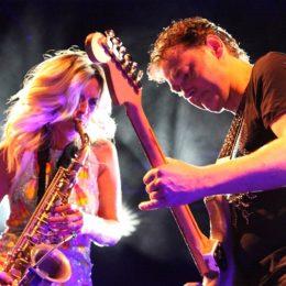 Auch die Musiker sind mit grossem Spass dabei.