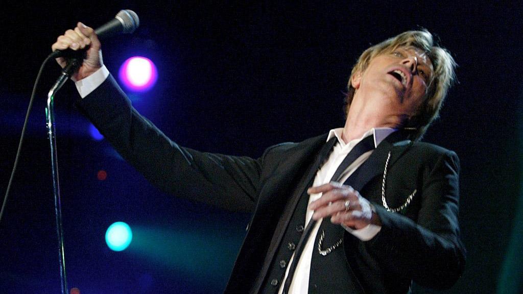 Auch der im letzten Jahr verstorbene David Bowie gab sich in Montreux die Ehre.