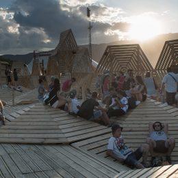 Am Paléo Festival gibts gemütliche Sitzmöglichkeiten mit Stil. (Credit Marc Amiguet)
