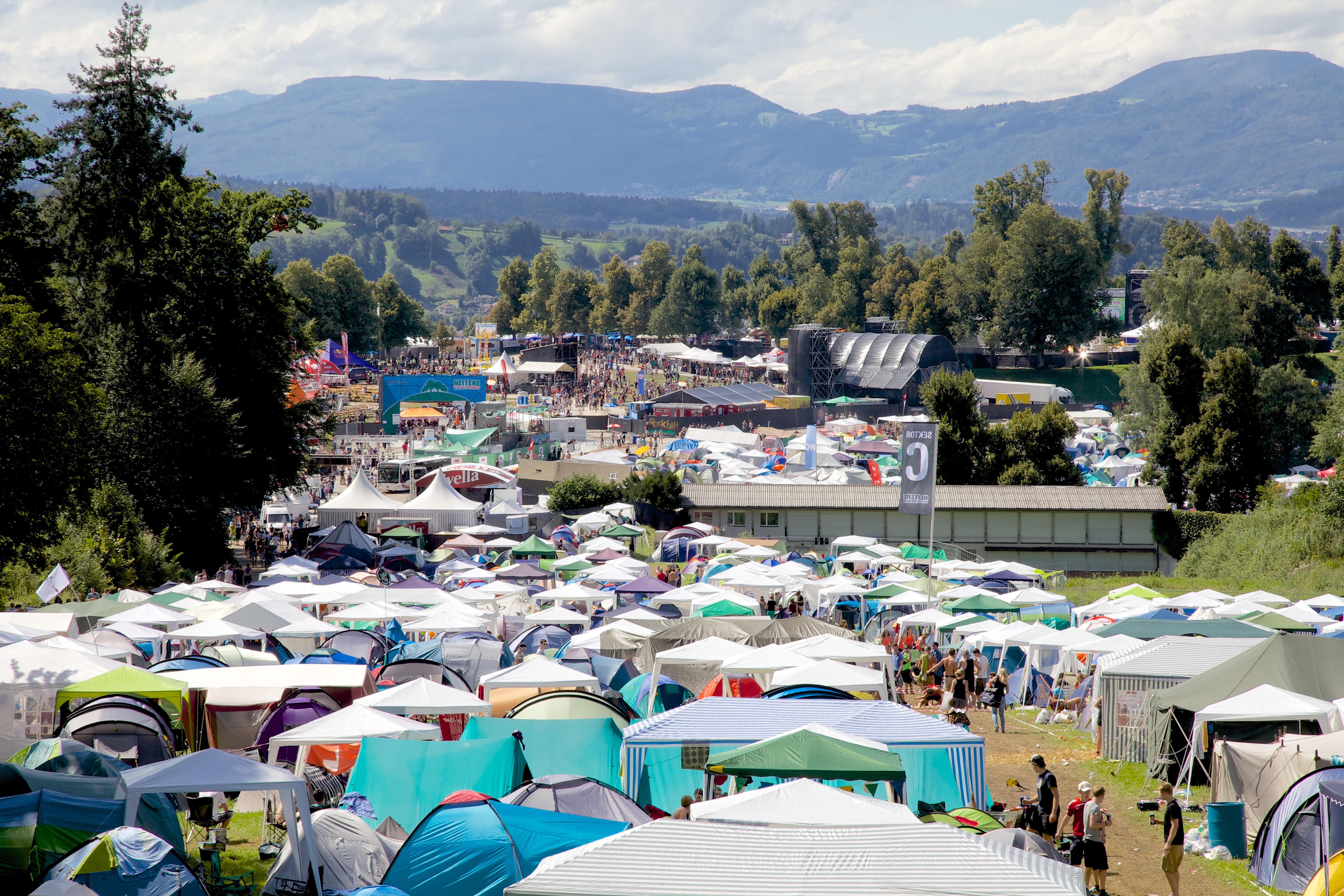 Aussicht vom Zeltplatz auf das Festivalgelände.